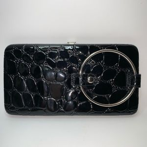 Ring-A-Ling clutch wallet